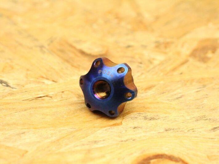 画像1: PK7 リアブレーキアジャストナット チタン 焼き色 (1)