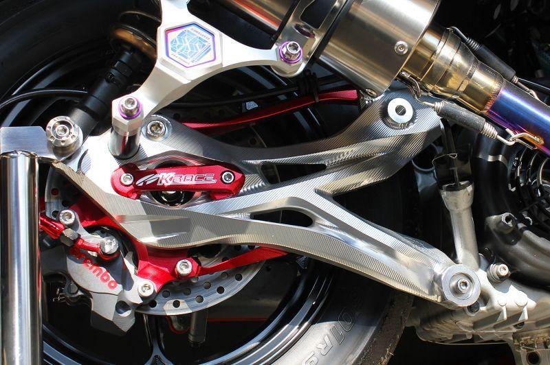 画像1: K RACE 総削り出しアルミスイングアーム [シグナスX・BW'S125] (1)